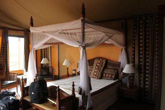Kilima Safari Camp: Bed
