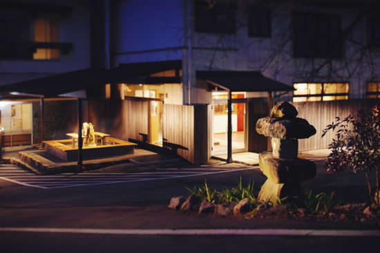 Yunotani Onsen: 夜の景観。