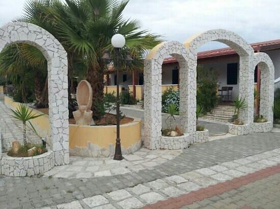 Villa Terra Nostra: viale alloggi