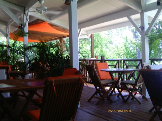 Creola Beach : restaurant au bord de l'eau