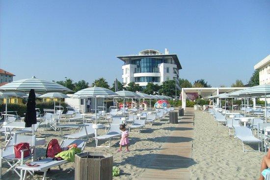Blu Suite Hotel: la spiaggia