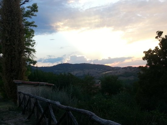 Agriturismo Borgo Castello Panicaglia : Tramonto
