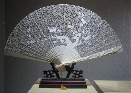 Suzhou Art & Crafts Museum: Suzhou Art and Crafts Museum - an ivory filigree fan