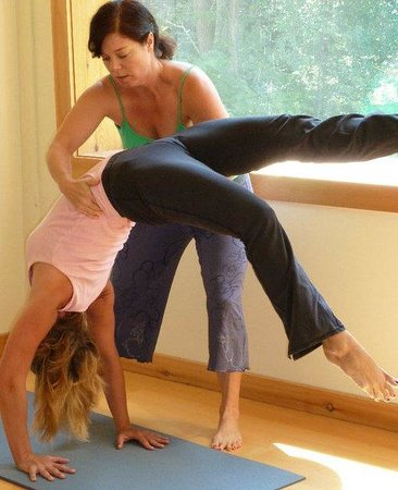 Chichester Yoga: Great Hands on Assists