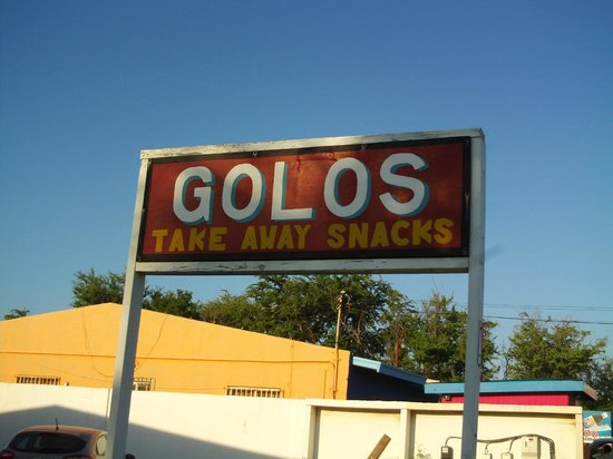 Golos Take Away Snacks: Look for this sign out front on Bubali (near La Cabana and Tropicaba)