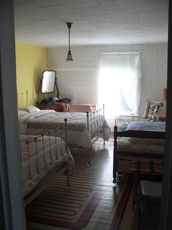The 8th Maine Regiment Lodge and Museum: Another room