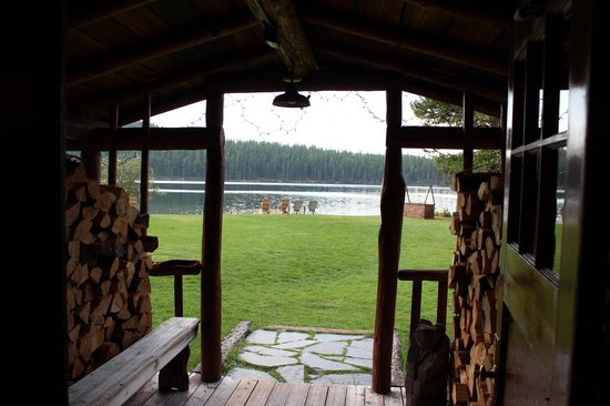 Holland Lake Lodge : The view from the lodge's back door