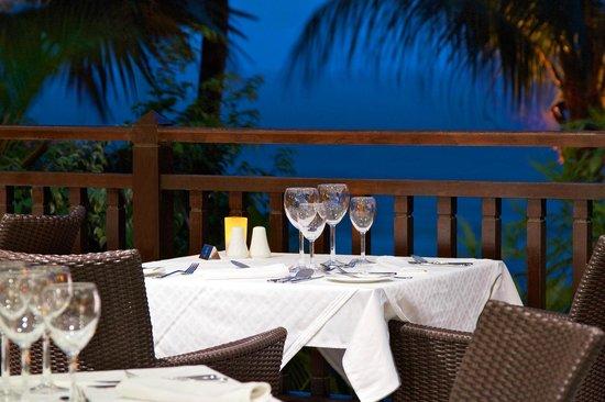 Le Meridien Fisherman's Cove: Le Cardinal Restaurant