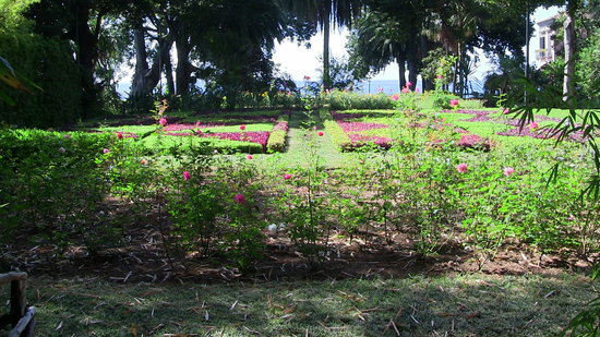 Presidential Palace Garden : curatissimi