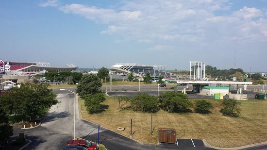 Four Points by Sheraton Kansas City - Sports Complex : View from balcony