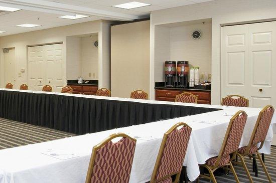 Hampton Inn & Suites Bloomington-Normal: Meeting Room