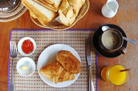 Bunwin Boutique Hotel: The carbalicious breakfast spread at the Bunwin