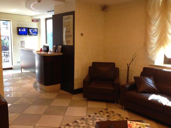 OC Hotel Villa Adriana: Hall