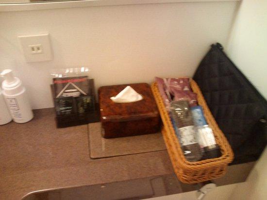 ホテル ココ・グラン北千住, バスアメニティも充実。ウォッシュタオルも置いてありました