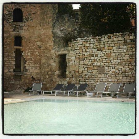 Aquabella Hotel : le cadre de la piscine