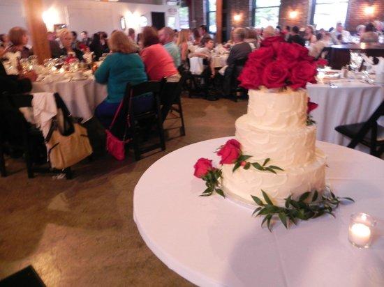 Sqwires: Wedding Cake