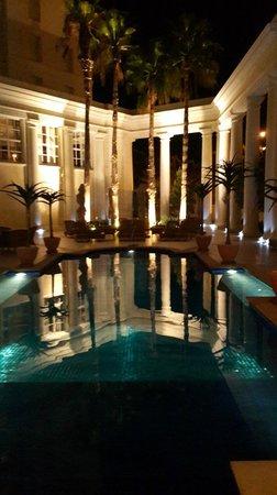 Southern Sun The Cullinan: The pool at night