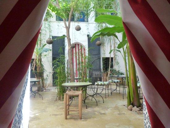 Riad Tibibt: Août 2013. La chambre Izghi ouvre sur le patio.
