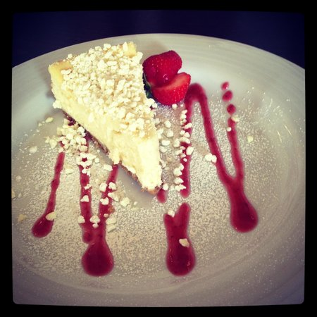 The Harbourview Grille: White chocolate cheesecake