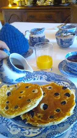 Holly House Bracknell: Blueberry pancakes