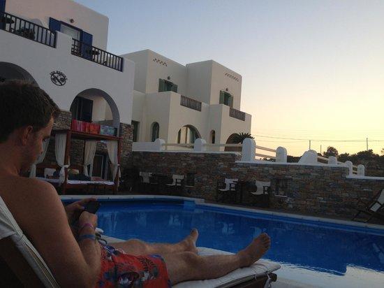 Ios Resort Hotel: Pool area