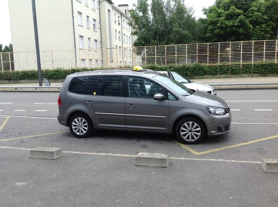 Ibis Rennes Centre Gare Sud : Our cab from Le Man, cost a fortune for the insurance company.