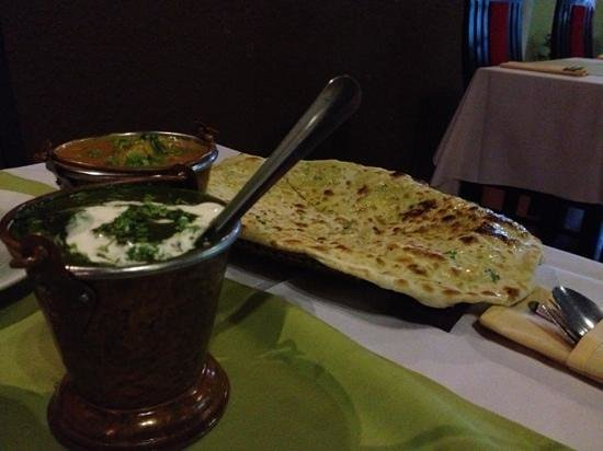 Ganesh Indian Restaurant : palak paneer and goa fish curry