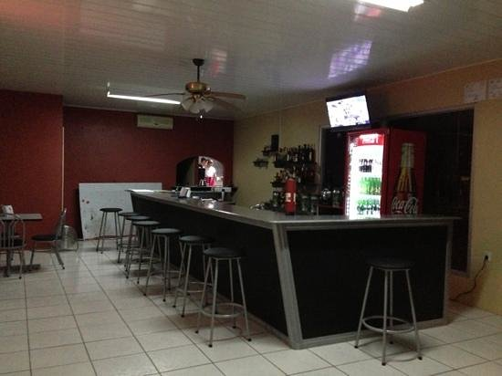 Shots Sports Bar: la barra