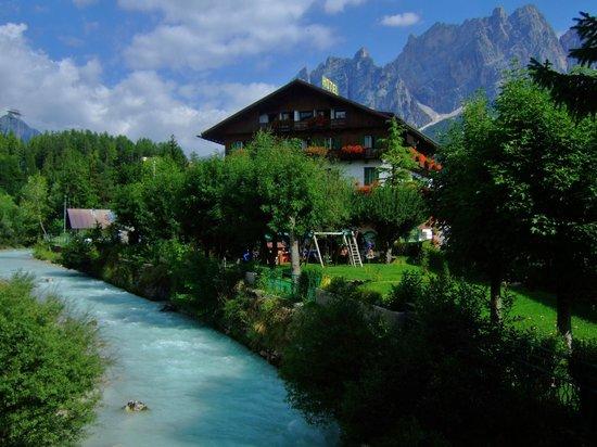Hotel Pontechiesa: 周辺環境
