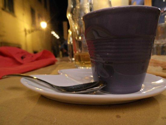 Taverna Gargantua: Del buon caffè in una tazzina sopra le righe!