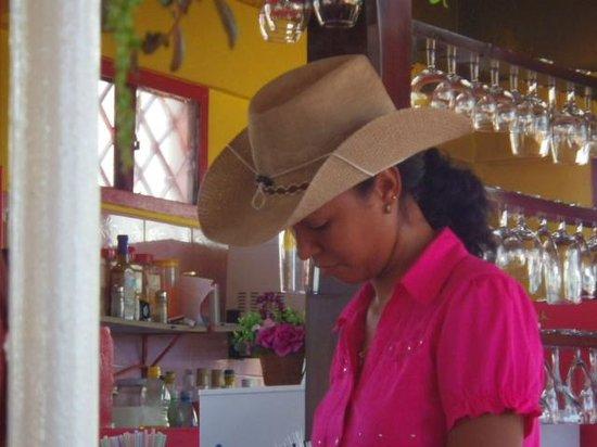 El Alazan: Serveuse Sympa