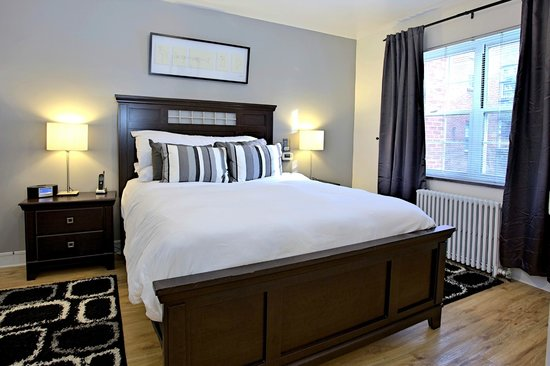 Shadyside Inn All Suites Hotel: Two Bedroom Suite at 5405 Fifth Ave