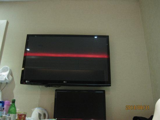 Samho Park Hotel: 口コミに書き忘れた!! パソコンがお部屋に完備されているので、そこはポイント高いです舞○