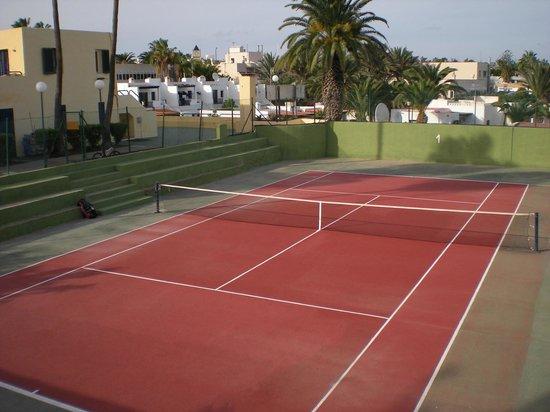 Corralejo Tennis Academy: Tennis courts Los Barqueros