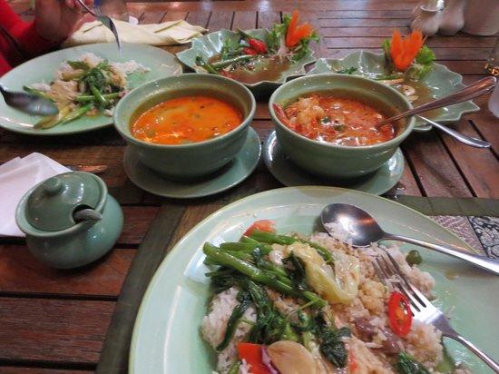 Best Western Plus at 20 Sukhumvit: Food from Restaurant Next Door to Hotel