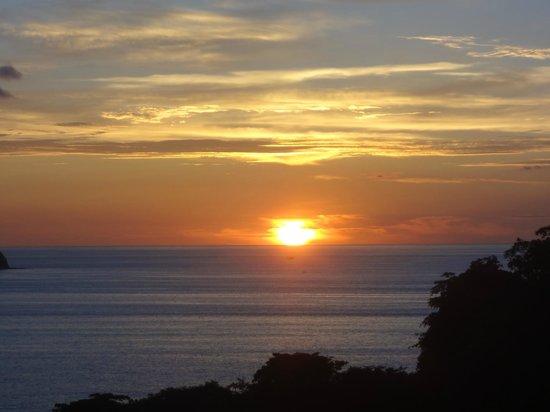 Villas Sol Hotel & Beach Resort: Sunset view