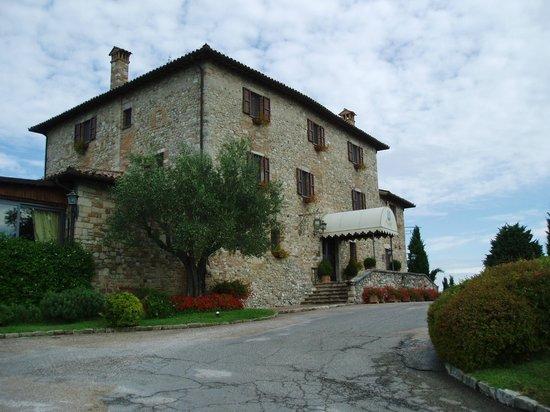 Relais Todini: Main entrance