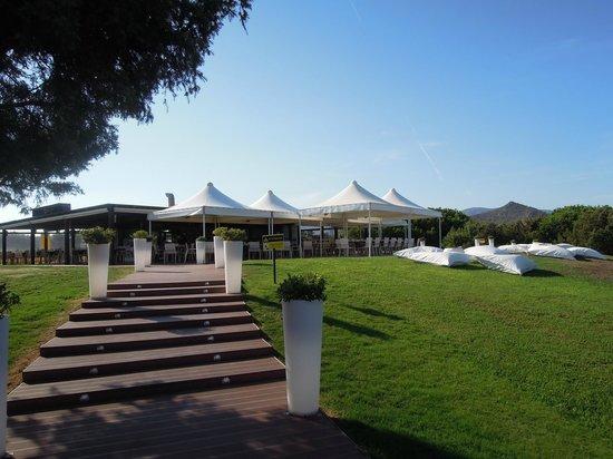 "Pullman Timi Ama Sardegna : Restaurant de plage ""I Ginepri"""