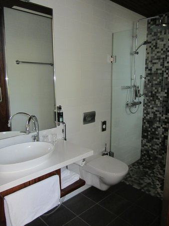 Hotel Katajanokka: Bathroom