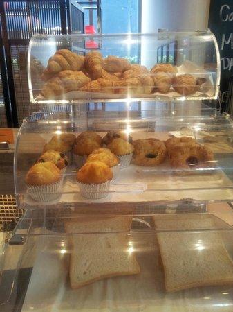ibis Bangkok Siam Hotel: Pastries corner
