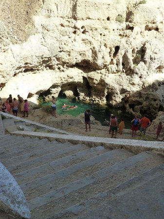 Algar Seco: steps leading down from main road to the rock pool