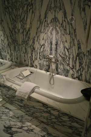 De L'Europe Amsterdam: Bath tube