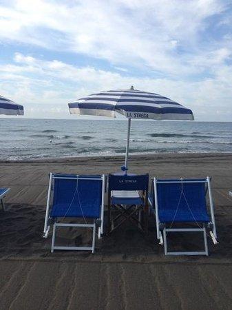 Stabilimento Balneare La Strega : il mare
