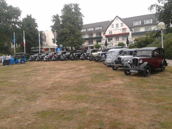 Hotel De Bilderberg : Front of Hotel