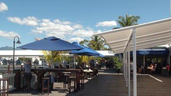 Lure Restaurant & Bar: マリーナでのひと時