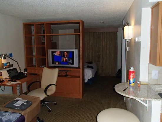 HYATT house Houston/Galleria: TV