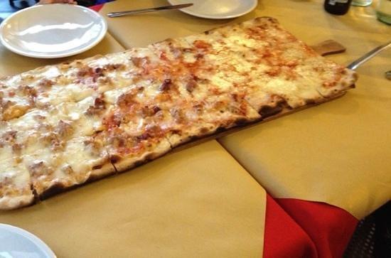 Pizzeria L'Antico Portone : 60cm di pizza