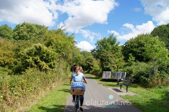 Cycle the City: Beautiful Countryside Cycling