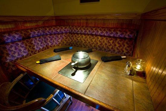 Melting Pot Restaurant : Cozy Dining