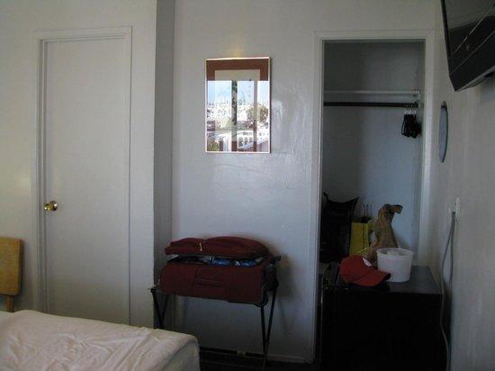 Dolphin Motel: Interno stanza